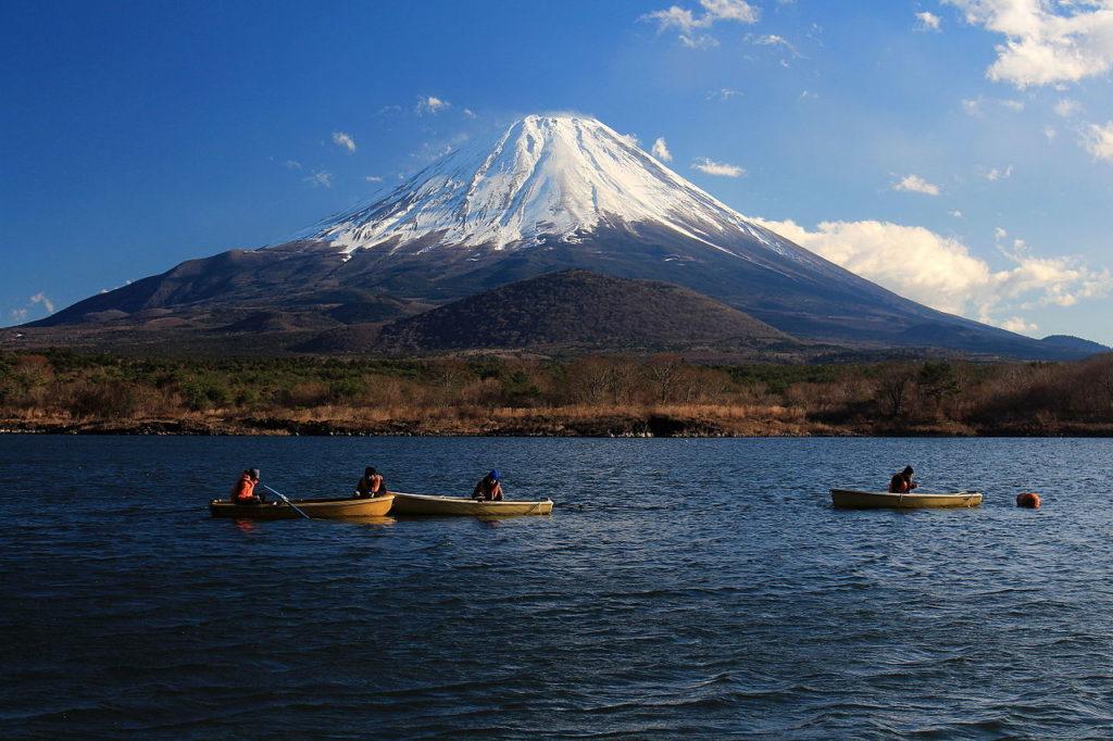 ทะเลสาบโชจิโกะ ญี่ปุ่น