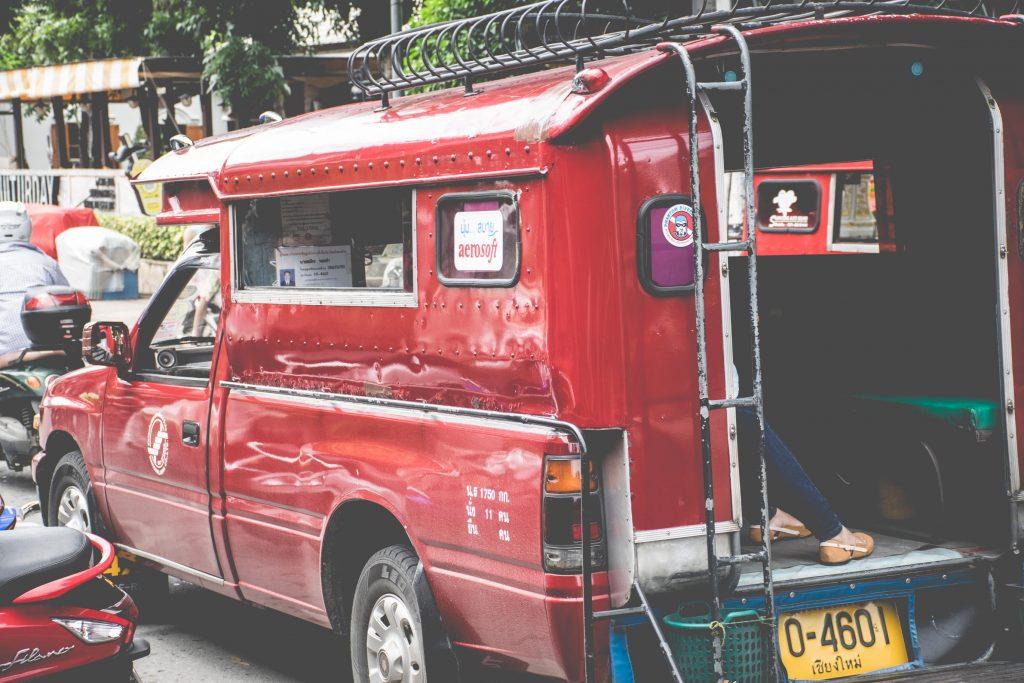 รถแดง