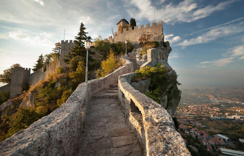 ทางเดินชมเมือง San Marino