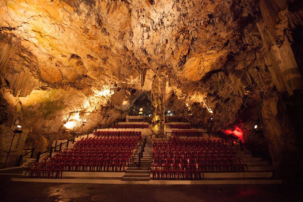 ถ้ำ St. Michael