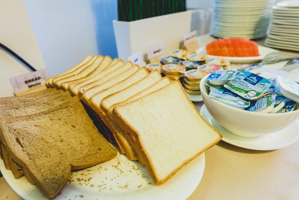 อาหารเช้า Pine Lodge Hotel